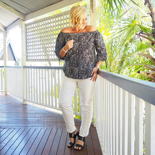 Country Road off the shoulder top | Trenery jeans