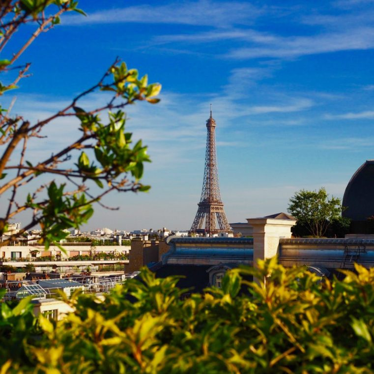 Paris in summer | Styling You | Confessions of a Reformed Over-Packer e-book