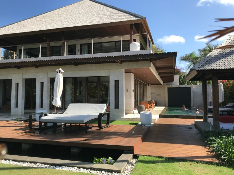 Mood Villa The Edge | 5 reasons to stay and play in Uluwatu on your next holiday in Bali