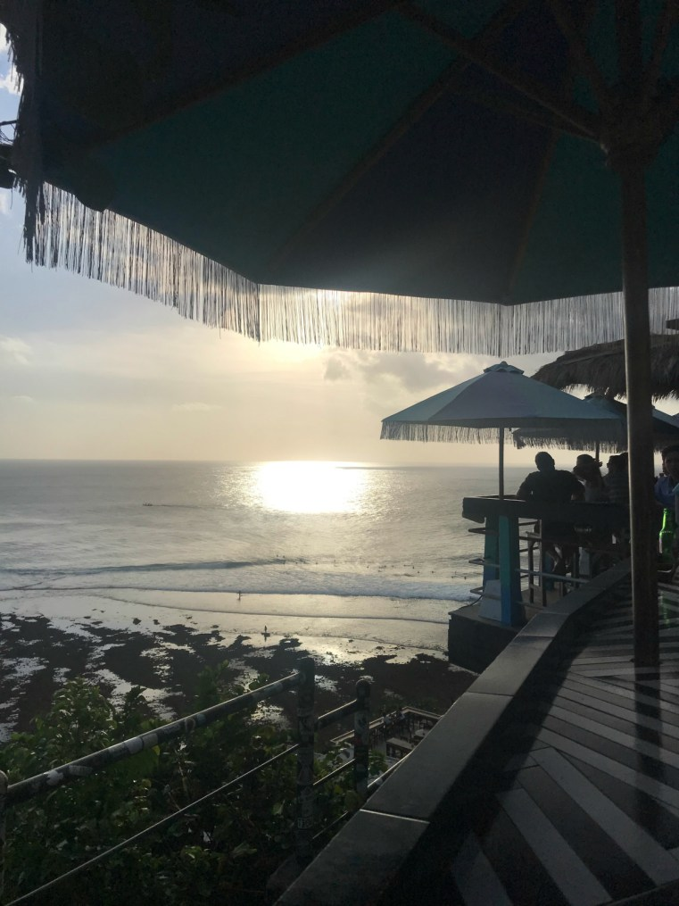 Single Fin sunset | 5 reasons to stay and play in Uluwatu on your next holiday in Bali