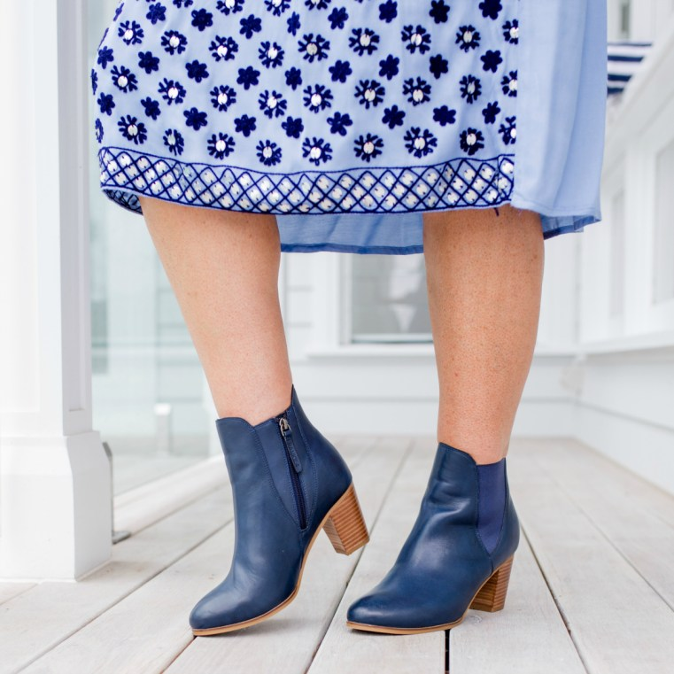 FRANKiE4 Footwear iZZY boot in navy