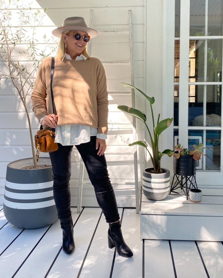 Zjoosh linen shirt, cashmere knit and leather pants | Will and Bear hat | FRANKiE4 Footwear MAiSiE boots