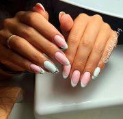 9 stunning modern french manicure