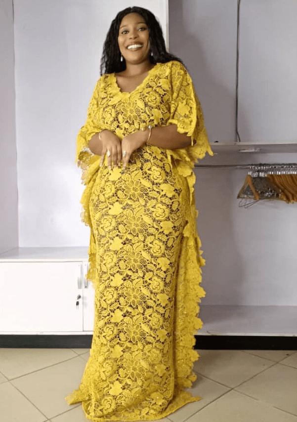 classical asoebi for ladies, Yellow Colour Aso-ebi