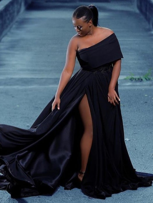 Trending Off-Shoulder Party Styles to slay