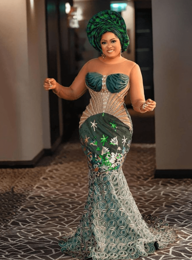 Elegant and Classy Lace Owambe Styles For Outstanding Looks