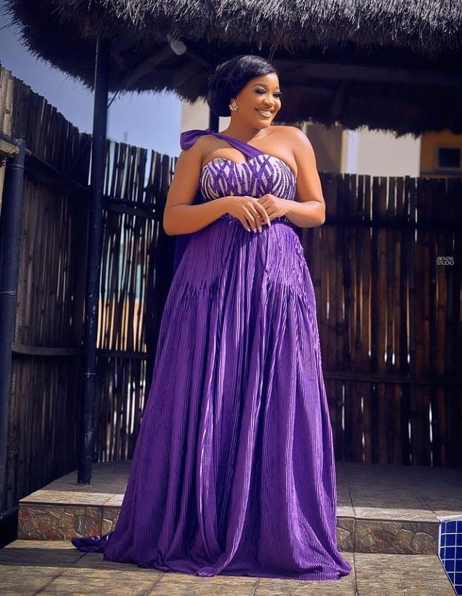 Classy Celebrity Fashion and Styles For Special Occasions