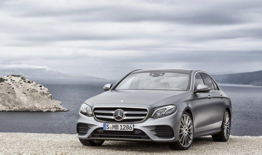 Mercedes Classe E: la berlina hi-tech si svela a Detroit