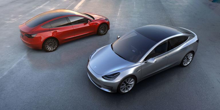 Tesla Model 3: ecco l'auto che cambierà il mondo