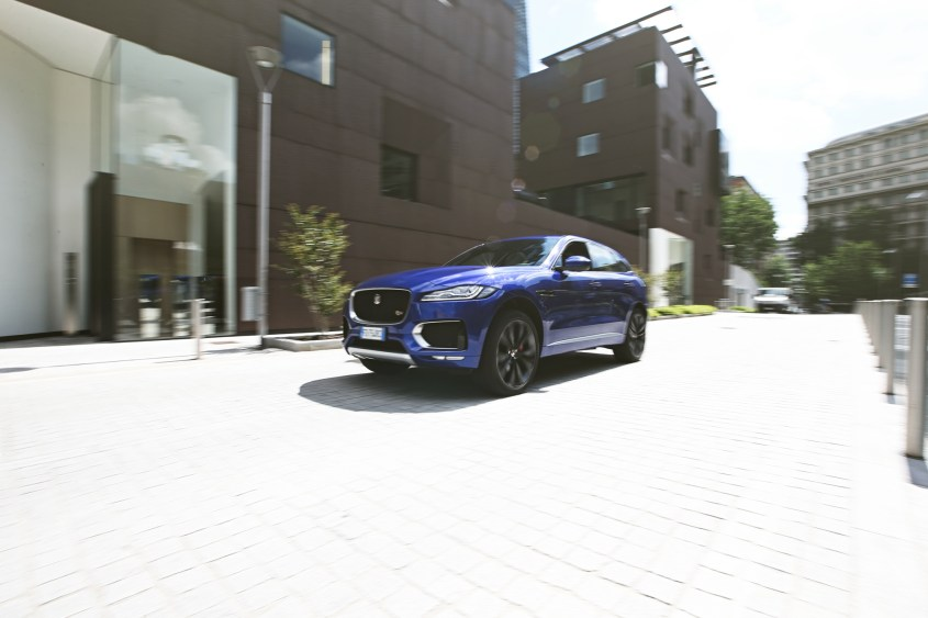 Jaguar F-Pace (shooting Stylology.it by Andrea Schiavina)