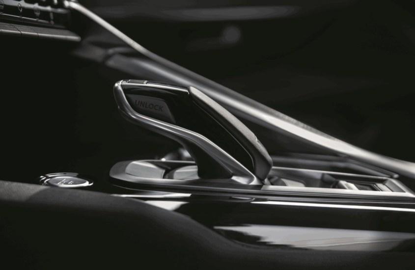 Peugeot i-Cockpit: design pulito e usabilità straordinaria