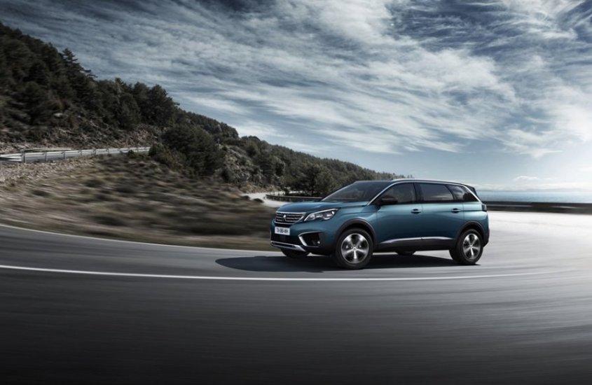 Peugeot 5008: il design innovativo del nuovo SUV del Leone