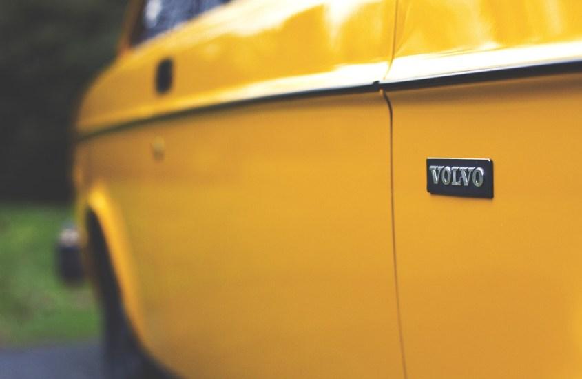 Volvo compie 90 anni: la storia di un brand visionario