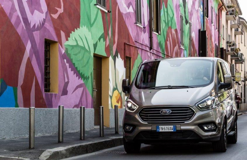"""Ford Tourneo Custom: un ufficio """"mobile"""" alla Milano Design Week"""