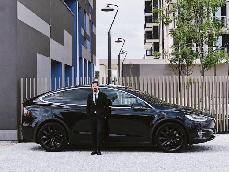 Tesla Model X con Silvio De Rossi