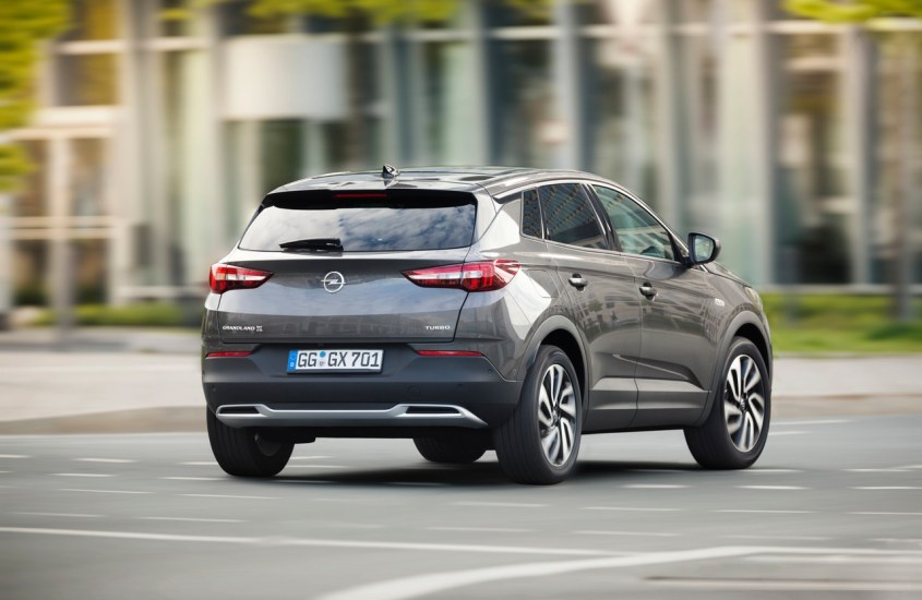 Opel Grandland X: come usare Apple CarPlay