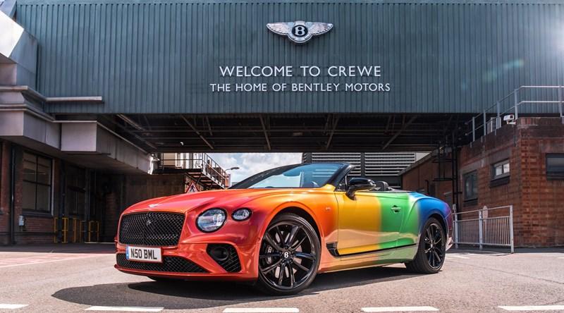 Bentley Continental GT, una versione arcobaleno per il Virtual Pride