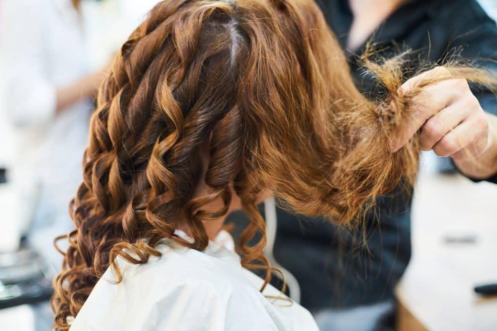 Tagliare i capelli fa bene all'umore?