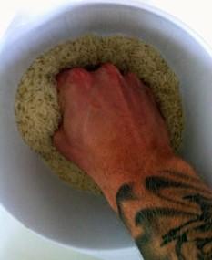 Träna greppet genom att klämma ris