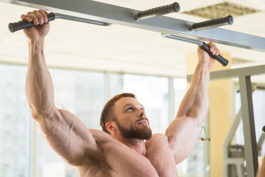 Träna dragövningar för biceps
