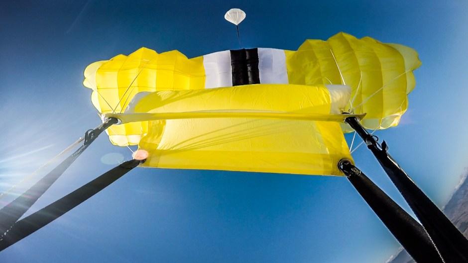 curso de paraquedismo