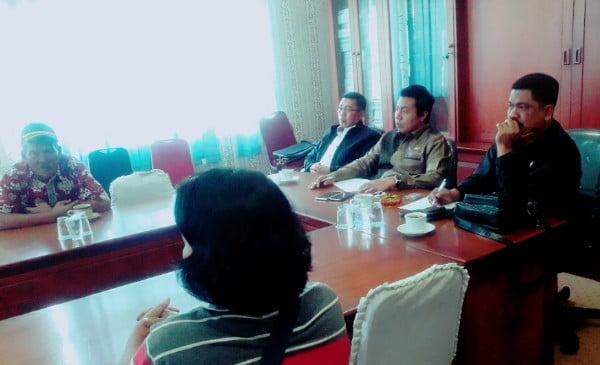 Perusahaan Arara Abadi Rusak Puluhan Hektar Tanaman, Warga Mengadu ke DPRD Pelalawan