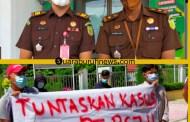 Aksi Damai PTMP R di Kajari Pelalawan, PT PSJ Ingkar Denda