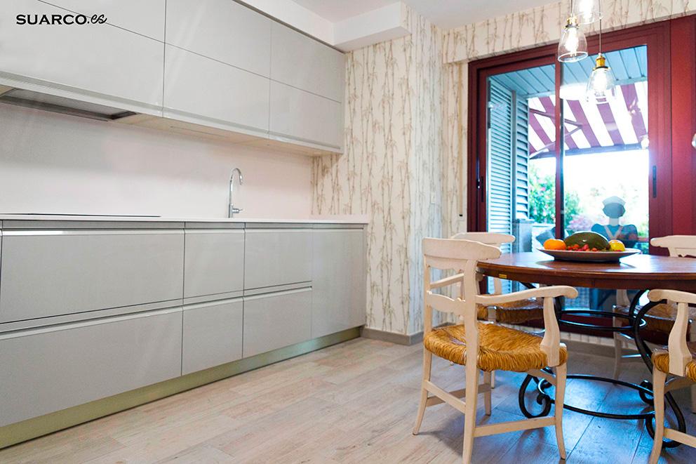 Cocina moderna gris brillo  Cocinas Suarco Fabrica y