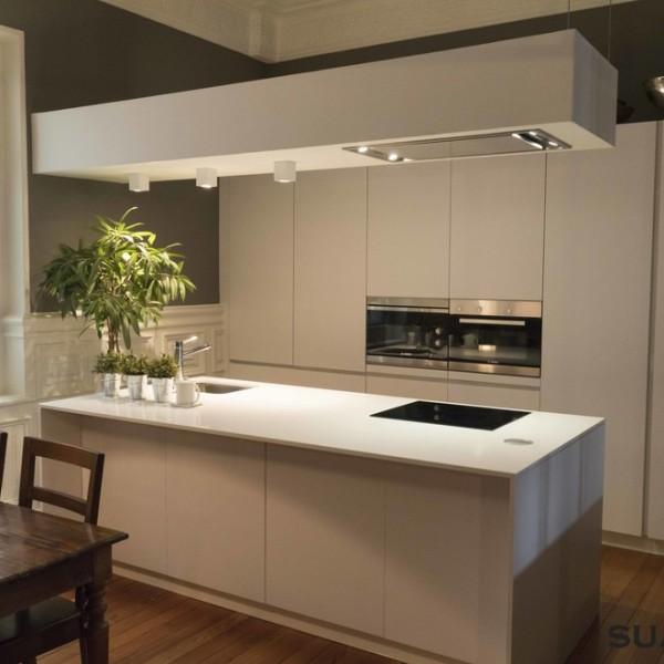 Cocina Blanca moderna con isla  Cocinas Suarco Fabrica y