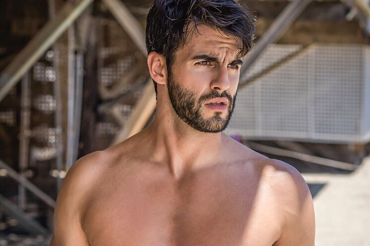 Your 12-Minute Full Body Workout Plan: Diego Calvo and the NUCLEUS CORE PRO
