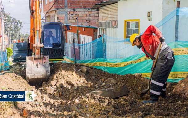 Alcaldía de San Cristóbal construye vías de acceso en el Alto Fucha