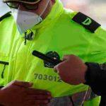 Policía de Bogotá comienza a usar detectores de metales en requisas para descubrir armas