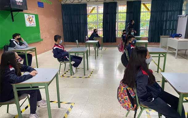 Desde este lunes y durante dos semanas, se suspenden clases presenciales en Bogotá