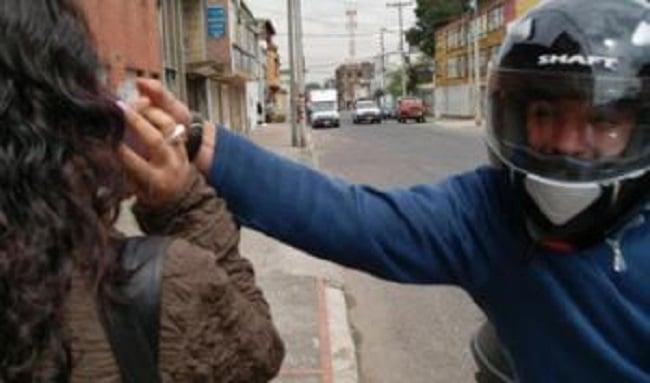 Robo de celulares en el barrio Bilbao, en promedio cada hora les roban el móvil a cinco personas