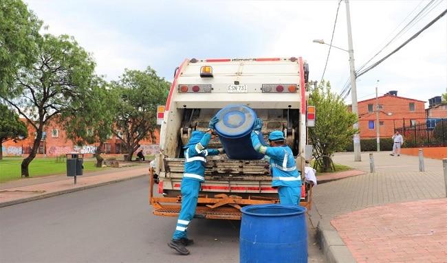Empresa Área Limpia y la Uaesp inicia campaña de residuos voluminoso de manera gratuita en Suba