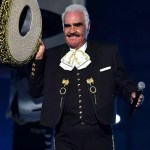 Vicente Fernández no podría volver a cantar, por una operación por traqueotomía