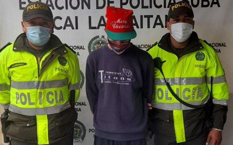 Hombre de 26 años de edad capturado por el delito de tráfico, fabricación o porte de estupefacientes en Lisboa Suba