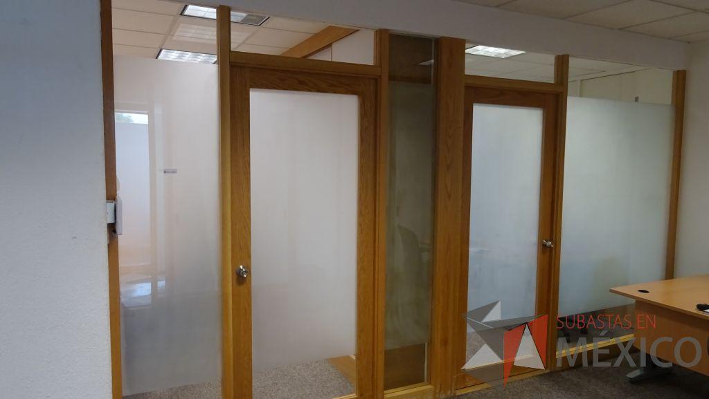 Lote 031 Cancel De Madera Con 2 Hojas De Vidrio Y 2 Puertas De Vidrio Con Marco De Madera