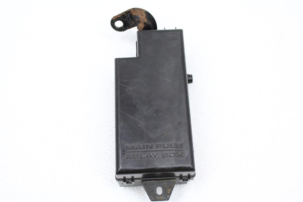 medium resolution of 2002 2005 subaru impreza wrx sti engine bay fuse box panel assembly