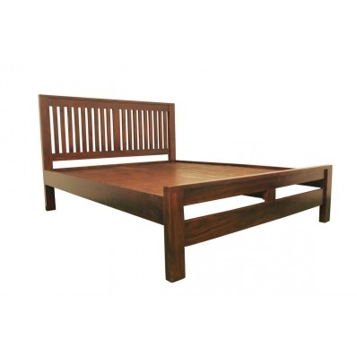 KING SIZE BED WITH STRIPPED HEADBACK
