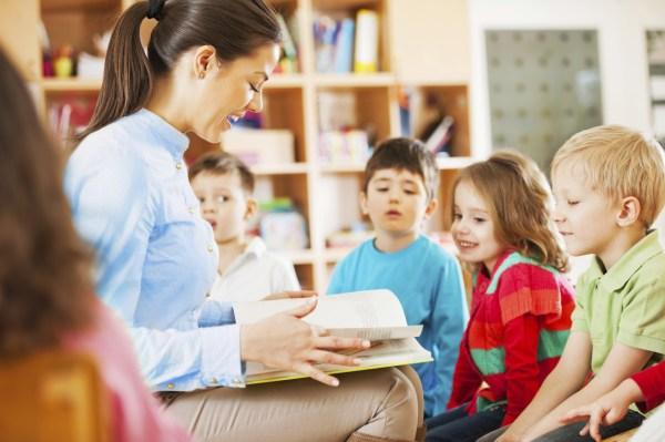 Kindergarten Teacher Reading