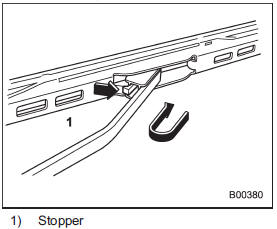 Windshield wiper blade assembly :: Replacement of wiper