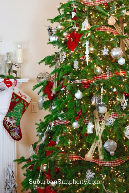 An Elegant & Rustic Christmas Tree