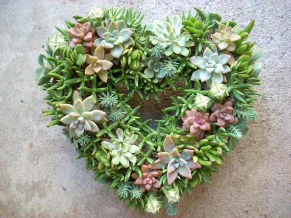 wedding-flowers-succulent-arrangements-wedding-wreath