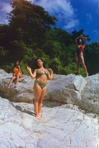 3 girls at El Sofa River for Momotaro Apotheca