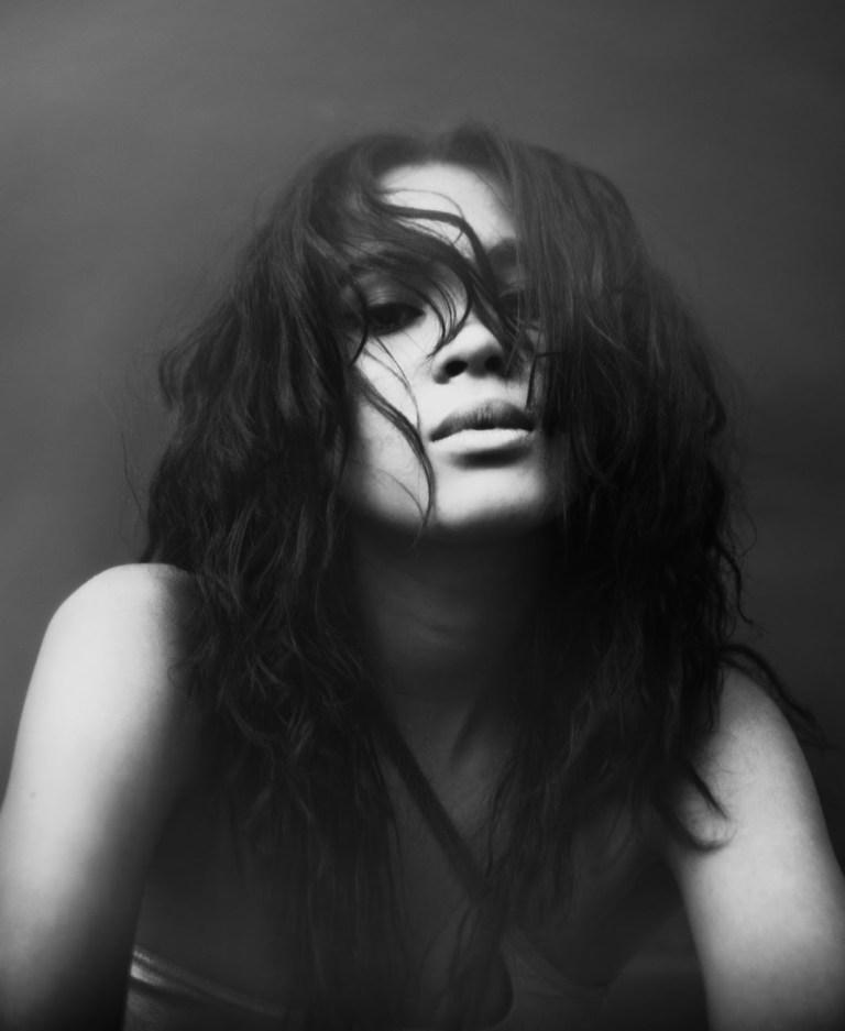 black/white portrait of musician Aziya