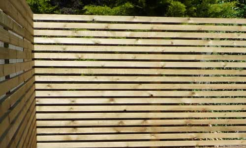 Fence Or Hedge For Your Garden