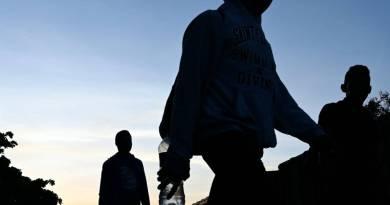 Migrantes deportados provenientes de Estados Unidos capturados por ICE despues de su travesía por el país del norte
