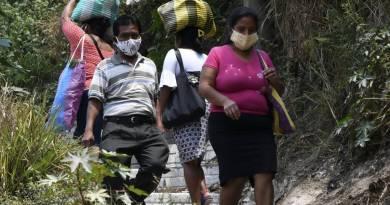 personas pobres necesitando ayuda gubernamental por le coronavirus por lo que aplican al Bono Familiat
