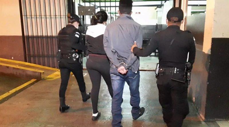 Peligrosos sicarios capturados por agentes de la PNC y llevados a la torre de tribunales